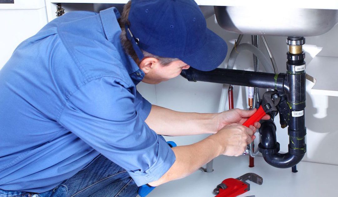 5 Reasons to Call an Emergency Plumber